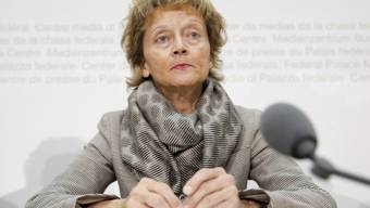 Bundesrätin Widmer-Schlumpf an der Medienkonferenz in Bern
