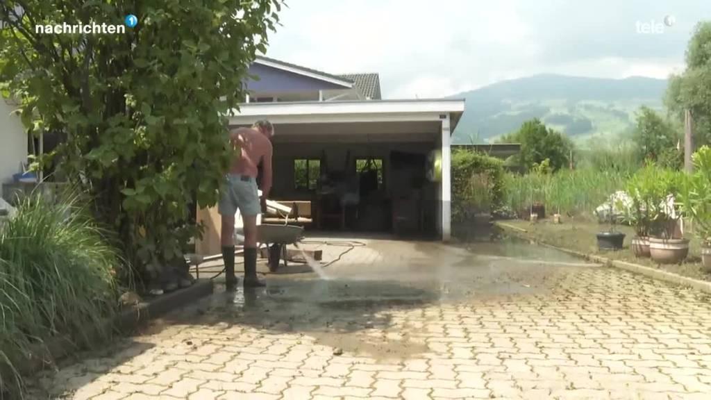 Aufräumen nach dem Hochwasser