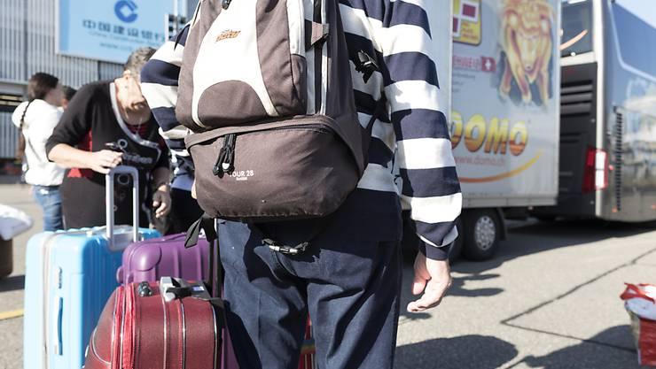 Flugtickets und Pauschalreisen ins Ausland verteuerten sich im März im Vergleich zum Vormonat. (Symbolbild)