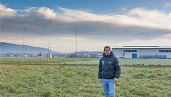 Mitinhaber Christian Czech am Standort der neuen Pferdeklinik in Niederlenz. Das Baugesuch liegt bis zum 2. Februar auf.