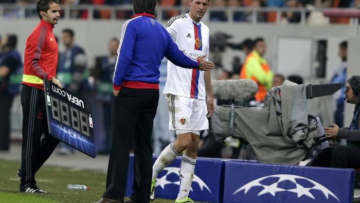 Dem einen hats nicht gefallen, der andere sah sich dazu gezwungen: Marco Streller und Murat Yakin nach der Auswechslung des Captains.