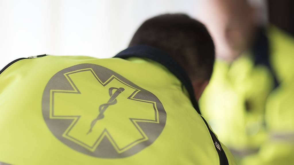81-jähriger Fussgänger stirbt nach Unfall in Seewen im Spital