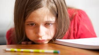 Zwischen Schule und Klavierunterricht noch Mathe büffeln: Vielen Kindern ist das zu viel.
