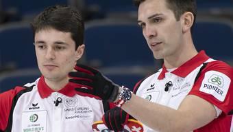 Souveräne Genfer Curler: Benoît Schwarz (links) und Skip Peter De Cruz haben bisher alles im Griff