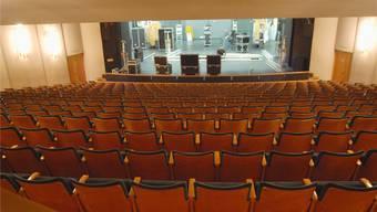 Der Änderungsantrag bringt dem Kurtheater mehr Beinfreiheit (für grossgewachsene Theatergänger), aber weniger Einnahmen, weil eine Sitzreihe wegfällt. AZ-Archiv