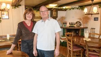 Silvia und Gilbert Oberson führen die Brauereistube noch bis Ende Jahr.