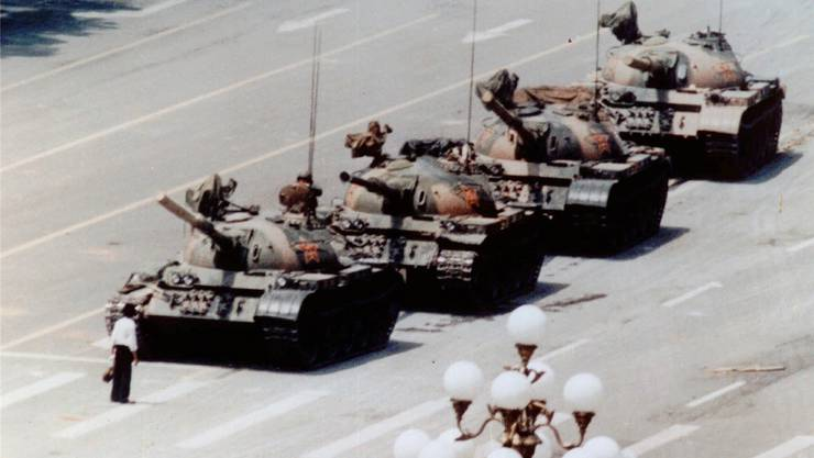 Vor 30 Jahren: Panzer auf dem Tian'anmen.