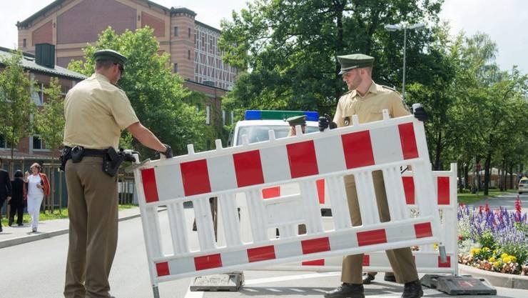 Die Eröffnung der Bayreuther Festspiele am Montagnachmittag wird polizeilich gesichert (Archiv)