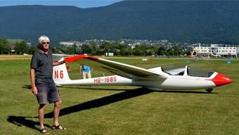 Markus Gäumann bringt seinen Segelflieger in Startposition.