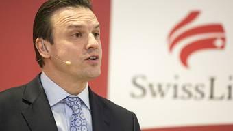 Swiss Life-CEO Patrick Frost gehört zu den Managern von Schweizer Grosskonzernen, die 2017 einen Lohnrückgang hinnehmen mussten. (Archivbild)