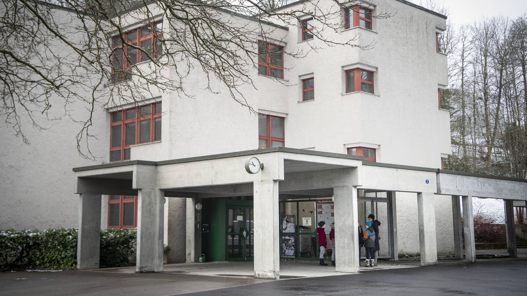 Der Neubau des Schulhauses Riethüsli wurde angenommen.