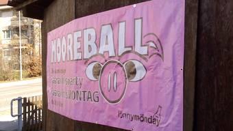 Ein Werbeplakat für den Mooreball.