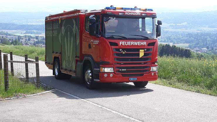 Das neue Tanklöschfahrzeug auf Übungsfahrt am Rohrdorferberg