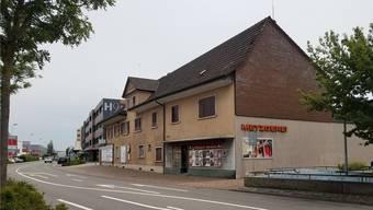 Die ehemalige Metzgerei wird abgerissen und durch einen Neubau ersetzt. sga