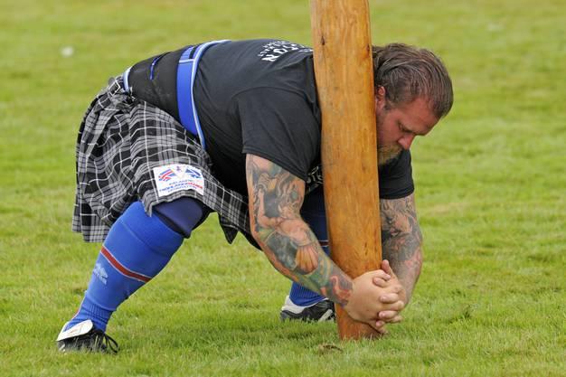 Die teils skurrilen Spiele an den Highland Games bringen auch den Fotografen zum Schmunzeln.