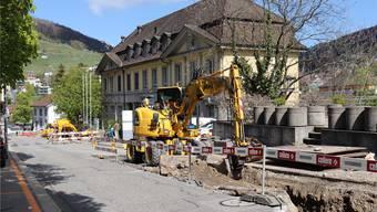 Unweit der Bäder-Baustelle wird die Strasse aufgerissen, das führt zu Unmut bei Gastro-Betrieben im Bäderquartier.