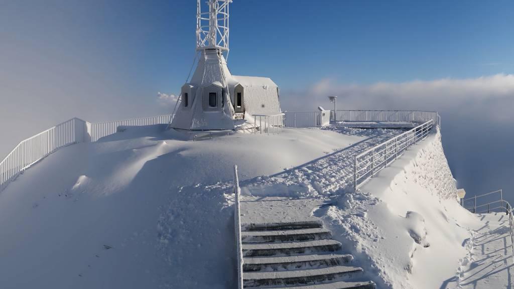 So viel Schnee ist auf den Bergspitzen im FM1-Land gefallen