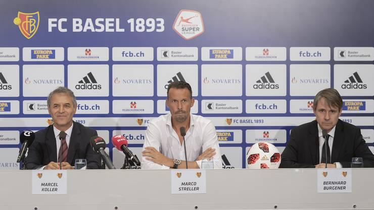 Marcel Koller wird von Sportchef Marco Streller und Präsident Bernhard Burgener, von links, an der Pressekonferenz als neuer Trainer des FC Basel vorgestellt.