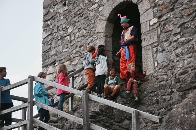 Mithilfe vom Genie konnten wir die Burg stürmen.