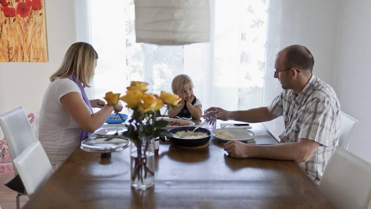 Fachleute rechnen mit Mehrkosten von 300 bis 400 Franken pro Monat und Säugling. (Themenblid)