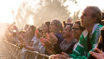 Fans von Musikfestivals müssen sich in Norwegen weiter gedulden: Die Regierung verbietet Grossveranstaltungen bis mindestens Anfang September. (Symbolbild)