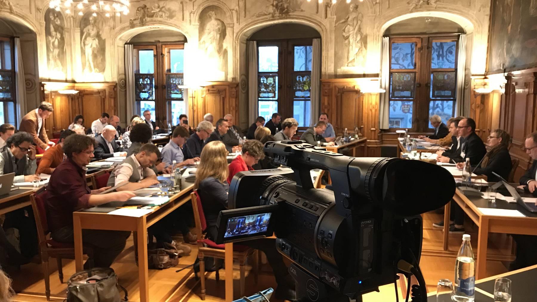 Über 300 Leute wollen ins Luzerner Stadtparlament