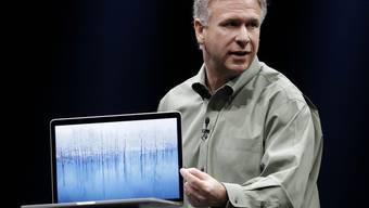 Phil Schiller von Apple stellt das neue Macbook Pro vor
