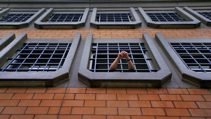 Justizirrtümer gibt es auch in der Schweiz. Die Organisation Projet Innocence Suisse bietet möglichen Opfern von Fehlurteilen ihre Unterstützung an. (Symbolbild)