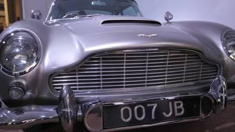 """Der Aston Martin DB5 aus dem James-Bond-Film """"Goldfinger"""" (1964) - ausgestellt im National Motor Museum in der Nähe von Southampton im Jahr 2012. (Archiv)"""