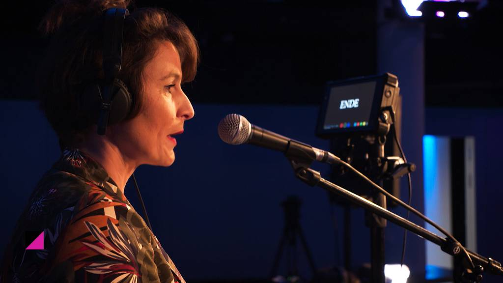 Zeig's Mir: Bühne bauen und Karaoke-Challenge