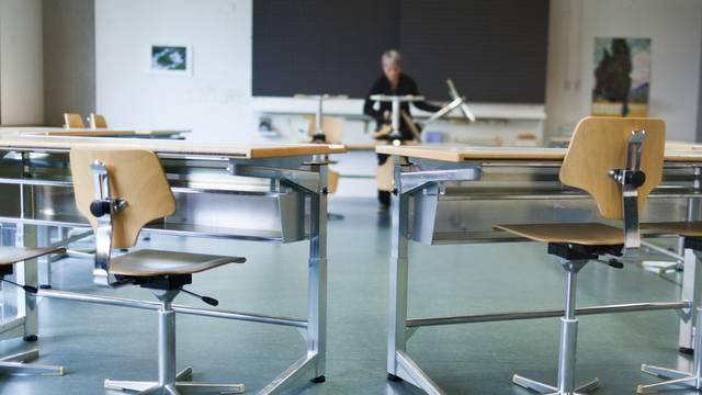 Zürcher Schulen werden nur noch alle fünf Jahre beurteilt. (Archiv)