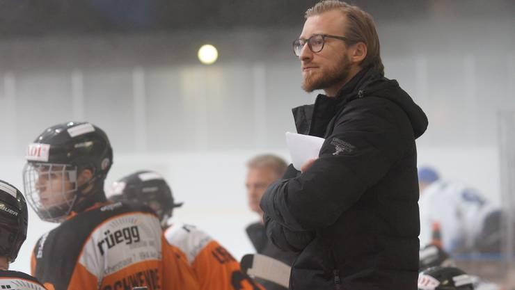 Nicht mehr Trainer des EHC Urdorf. Patrick Stach hat aus persönlichen Gründen sein Amt niedergelegt. Bild: Ruedi Burkart