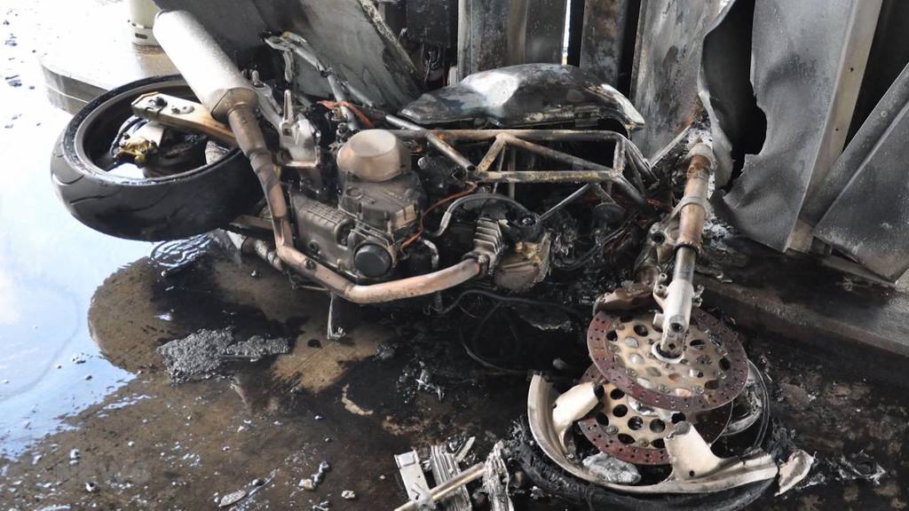 Horrorszenario: Feuer an Tankstelle