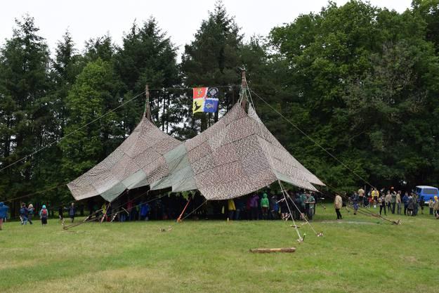 Das grosse Zelt, das Schutz bietet.