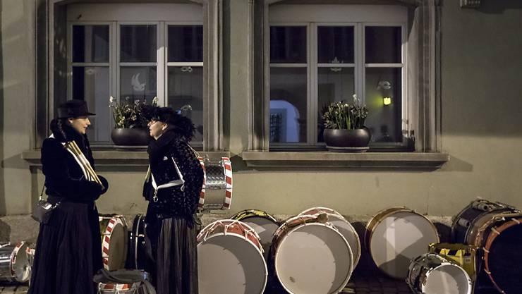 Die Fasnacht wird zu Grabe getragen: Mit Trauermine wird in Altdorf mit der Üstrummet die Fünfte Jahreszeit beendet.