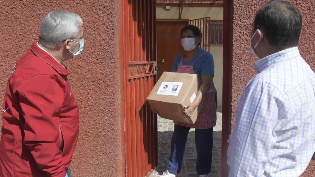 Chile verteilt Zehntausende Lebensmittelpakete