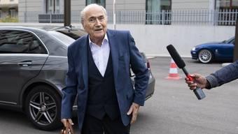 Der ehemalige FIFA-Präsident Sepp Blatter Anfang September bei der Bundesanwaltschaft in Bern.