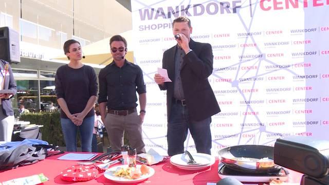 Nina Burri vs. Florian Ast beim Rösti kochen