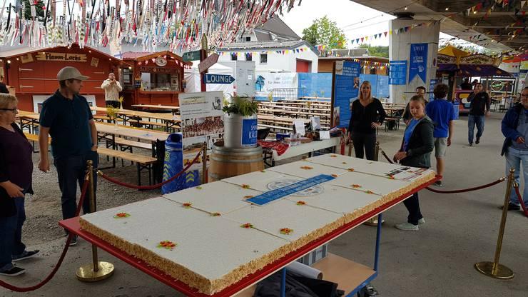 Die Solothurner Torte ist 75 kg schwer