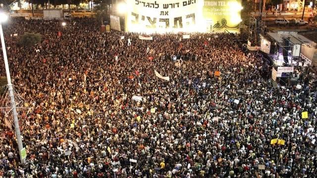 Tausende demonstrieren gegen hohe Lebenskosten in Tel Aviv