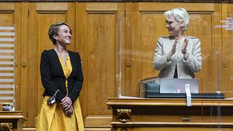 Noch-Ratspräsidentin Isabelle Moret (r.) und Bald-Vizepräsidentin Irène Kälin.