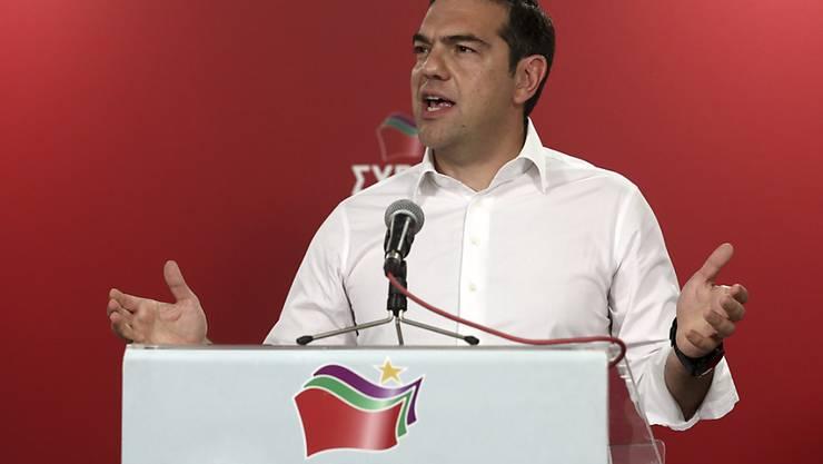 Nach dem schlechten Abschneiden seiner Partei bei der Europawahl, hat der griechische Ministerpräsident Alexis Tsipras vorgezogene Parlamentswahlen angekündigt.