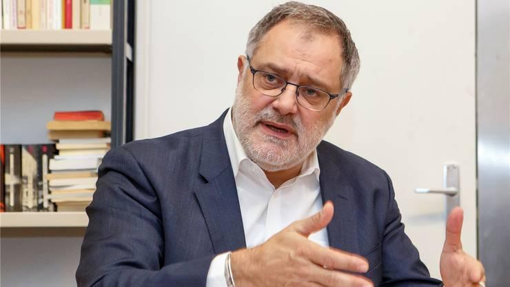 Carlo Sommaruga (SP) stellt Fragen zur Strategie des Bundesrats.key