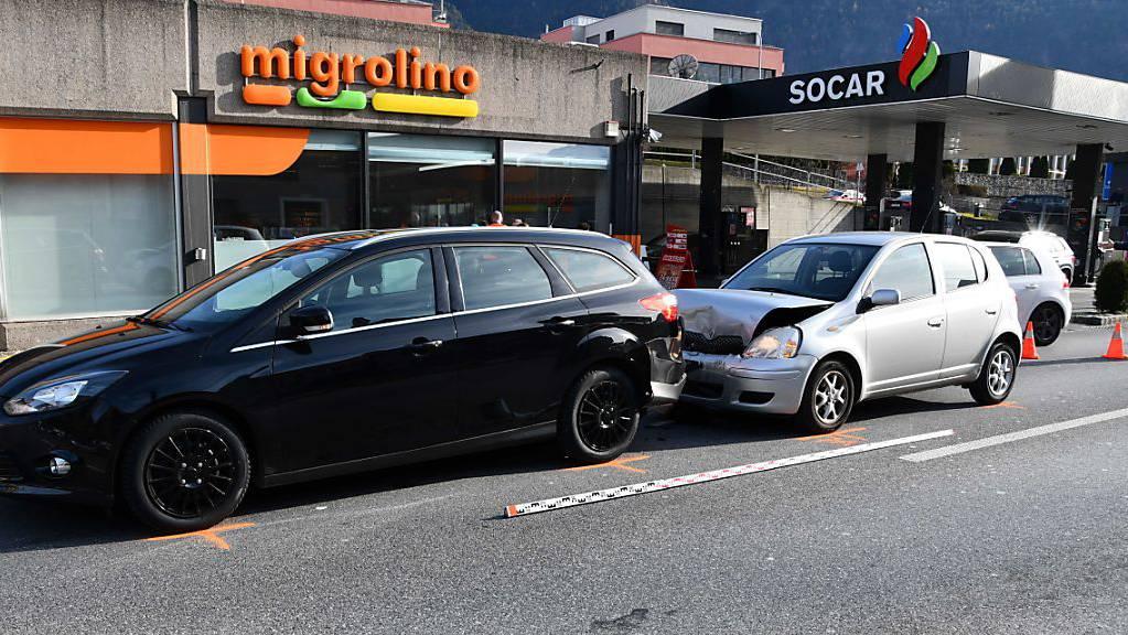 Beim Auffahrunfall in Chur entstand an beiden Fahrzeugen Sachschaden für mehrere tausend Franken.
