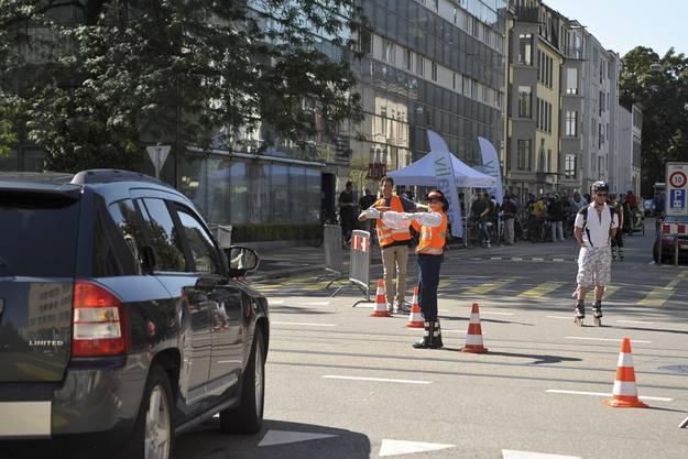 Zahlreiche Verkehrskadetten sorgten dafür, dass der slowUp nicht durch den normalen Verkehr gestört wurde.