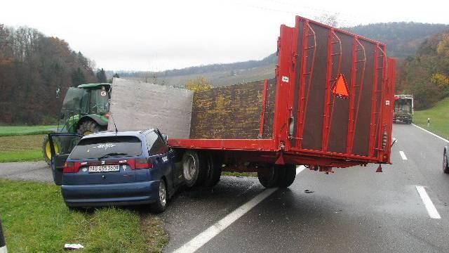 Trotz der heftigen Kollision wurde niemand verletzt. (Kantonspolizei Aargau)
