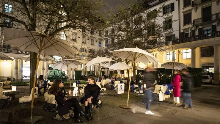 Der Kälte trotzen: In Coronazeiten bleiben die Gäste lieber im Freien