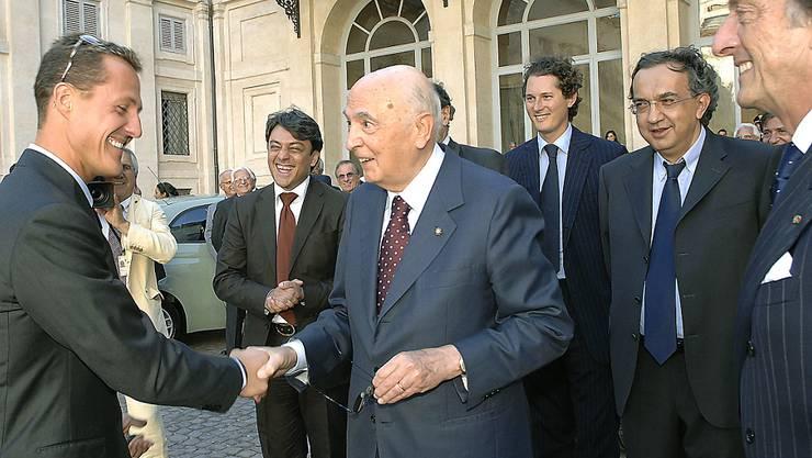 Der italienische Manager Luca de Meo (2. von links) soll Konzernchef bei Renault werden. (Archivbild)