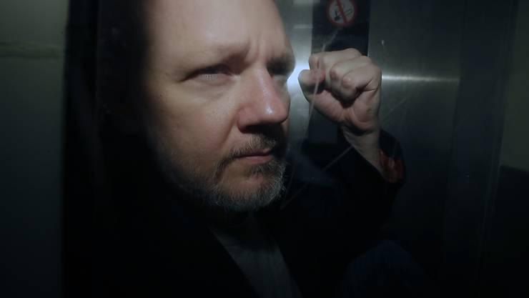 Die US-Justiz hat gemäss Justizministerium die Anklage gegen Julian Assange ausgeweitet.