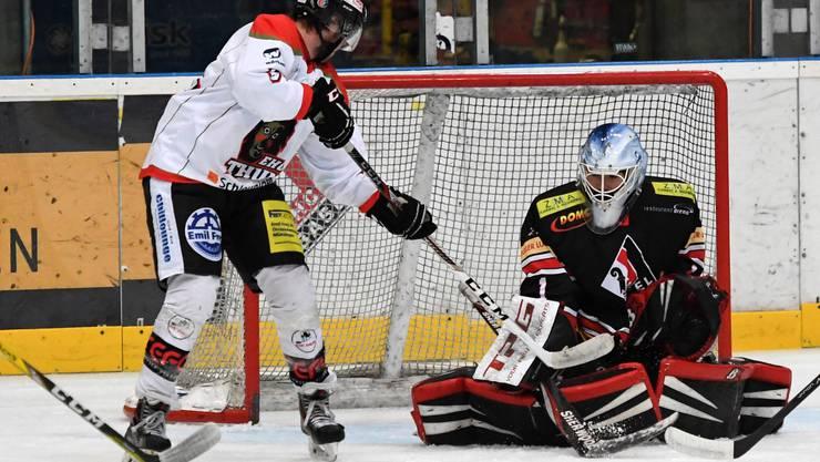 Basels Goalie Damian Osterwalder zeigte eine starke Partie.